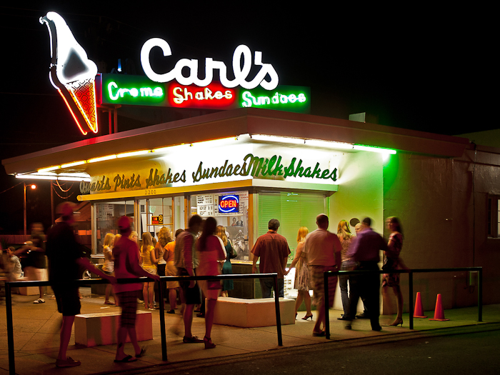 Carl's_Famous_Ice_Cream_Since_1947
