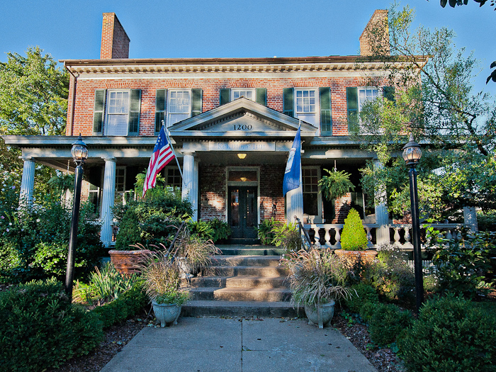 Historic_Kenmore_Inn