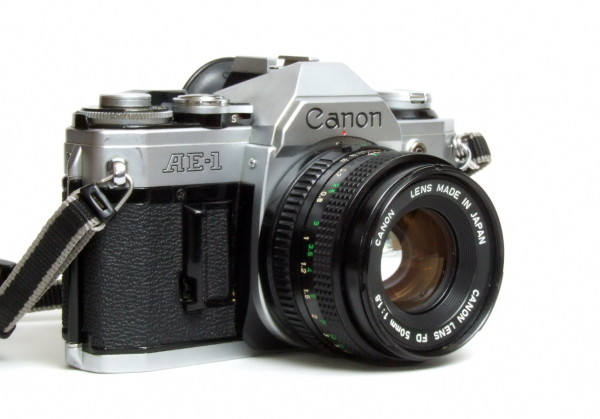 Canon_AE-1_03